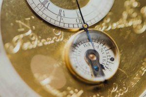 Uhr die Balance anzeigt